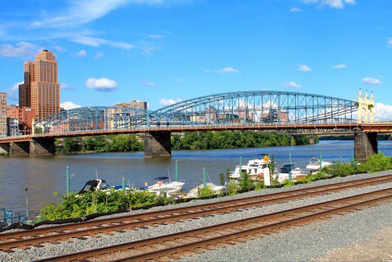 5 seniausi tiltai Amerikoje