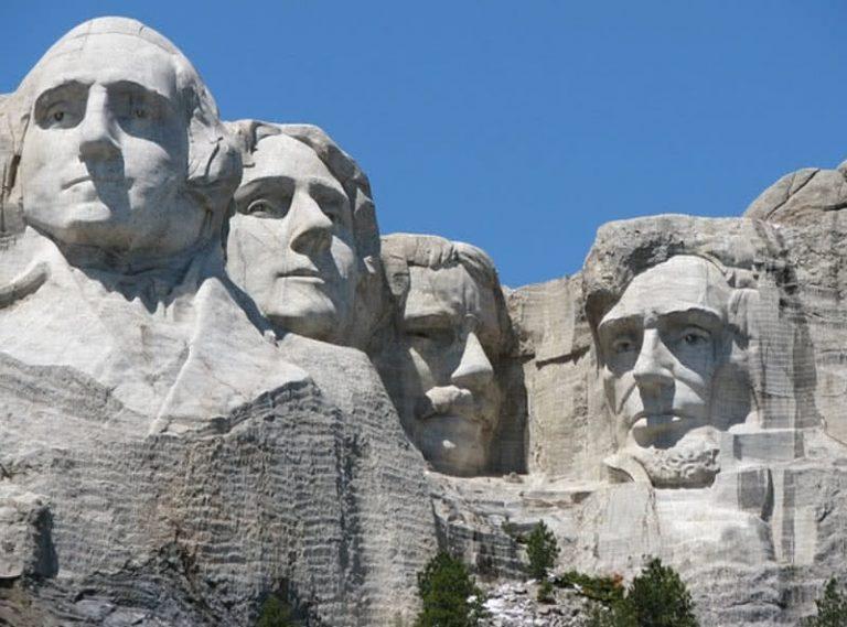 5 nuostabiausios milžiniškos statulos pasaulyje